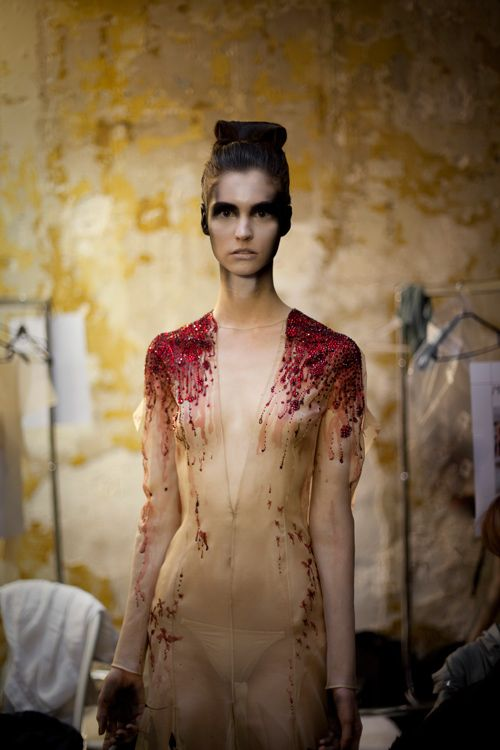 Julien Fournié Haute Couture Blood Inspired3